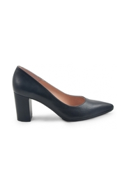 Nora pumps