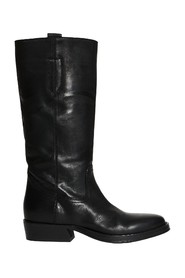 Boot in matte leather