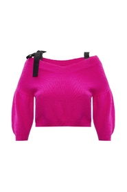 Sweater with tie fastening