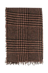 Scarf Model with fringed edges