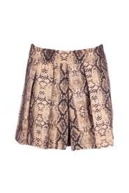 Short kendall skirt