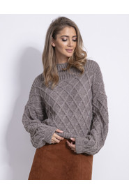 Sweter w romby F842