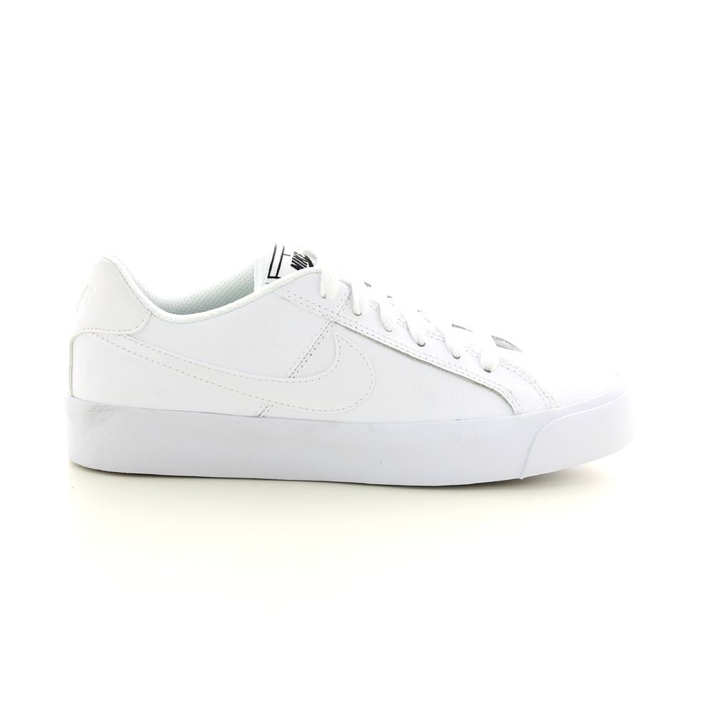 Sneakers  COURT ROYALE AC WMNS