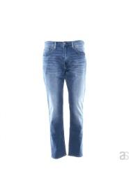 Lyseblå Levis jeans