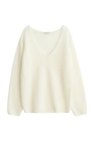 Rhila Sweater