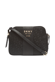Noho Center Zip Crossbody