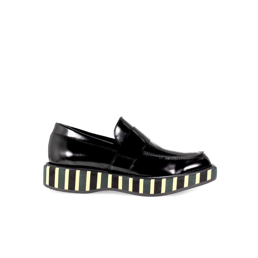 BLACK LEATHER STRIPED PLATFORM MOCCASIN