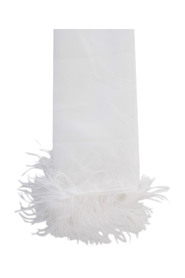 STOLE WITH FEATHERS