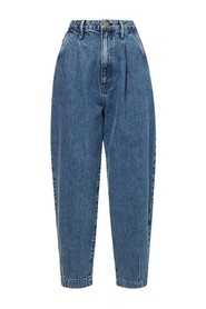 Pleated Barrel Leg Campus balloon jeans