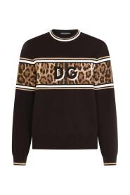 Sweater with DG Logo