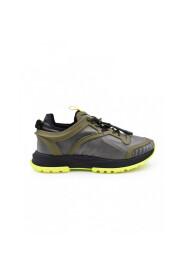 Spectrum Runner Sneakers