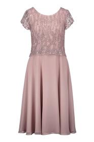pink kleed met pajetten