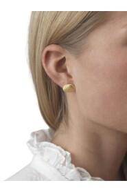 191-30-26 Shell Earrings
