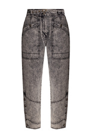 Loose-fitting jeans
