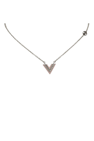 Lacquer Essential V Necklace