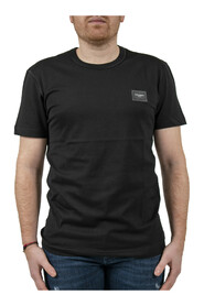 T-shirt with branded plate