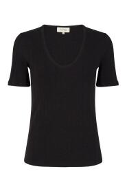 Nynne 3 T-shirt