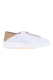 Cleanic leather sneaker with unstructured heel with contrasting color