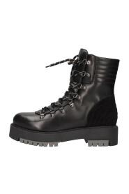 A910032D Amphibians boots