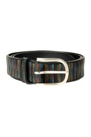 LEATHER BELT WITH DRAFT