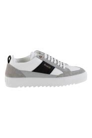 Tia Sneakers