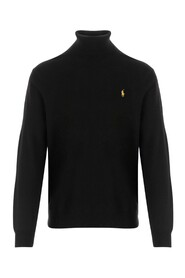 Turtleneck long sleeves with ribbed cuffs