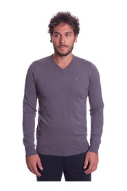 SLIM FIT V-NECK SWEATER