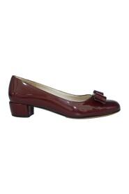 Brukte Patent Leather Vara Opera Low Heels