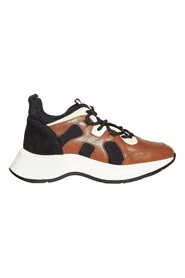 Sneakers H 585