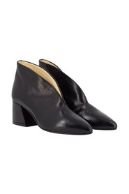 Seville ankle boots with split
