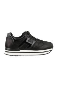 'H222' lakleren sneakers