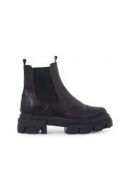 PAOLA boots