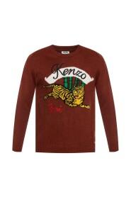 Tiger motif sweater