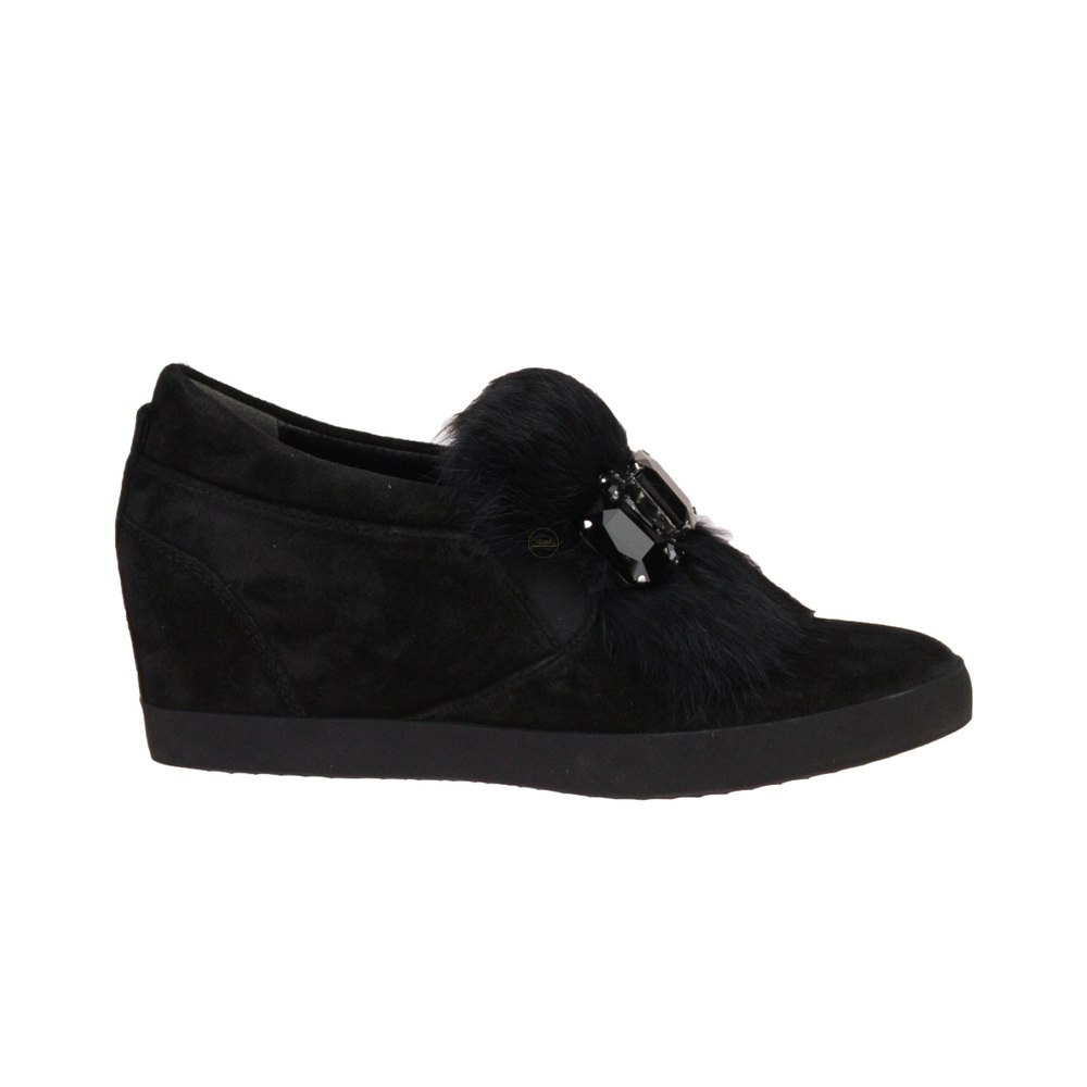 Slip-On Wedge
