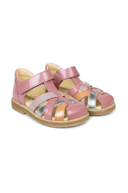 Braid sandals with adjustable velcro closure