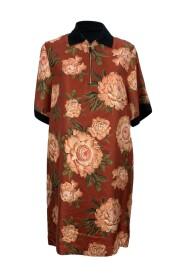 Sukienka t-shirtowa z jedwabiu i bawełny w kwiaty
