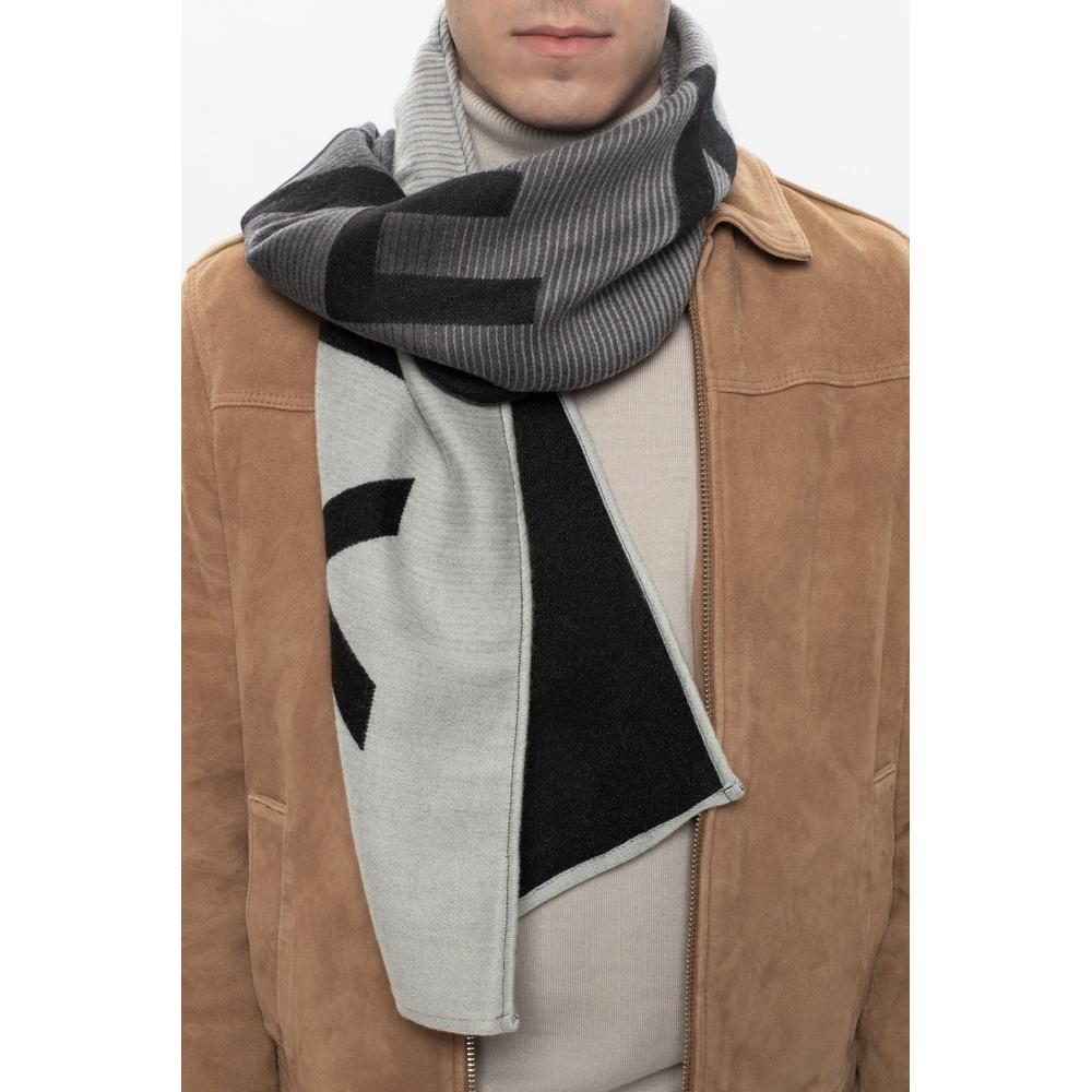 Gray Wool scarf with logo | Givenchy | Sjaals | Heren accessoires