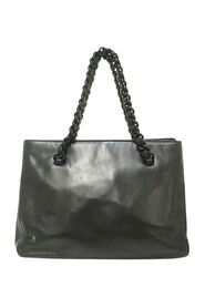 Pre-owned Leather Chain Shoulder Bag