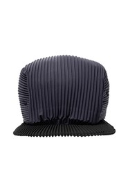 Pleated baseball cap