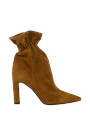 Rodeo suede ankle boots with curl