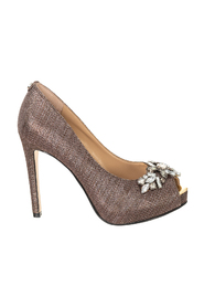 Heeled shoes with stones