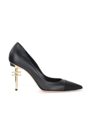 Pumps with low sculpted heel