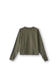 fa900209 airport sweater