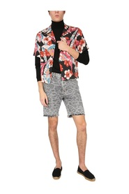SHORTS WITH SPOTTED PRINT