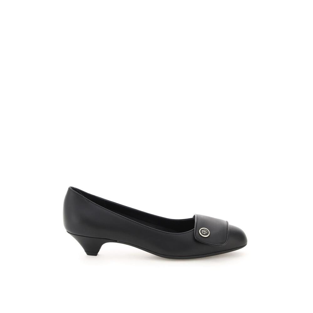 Pump shoe
