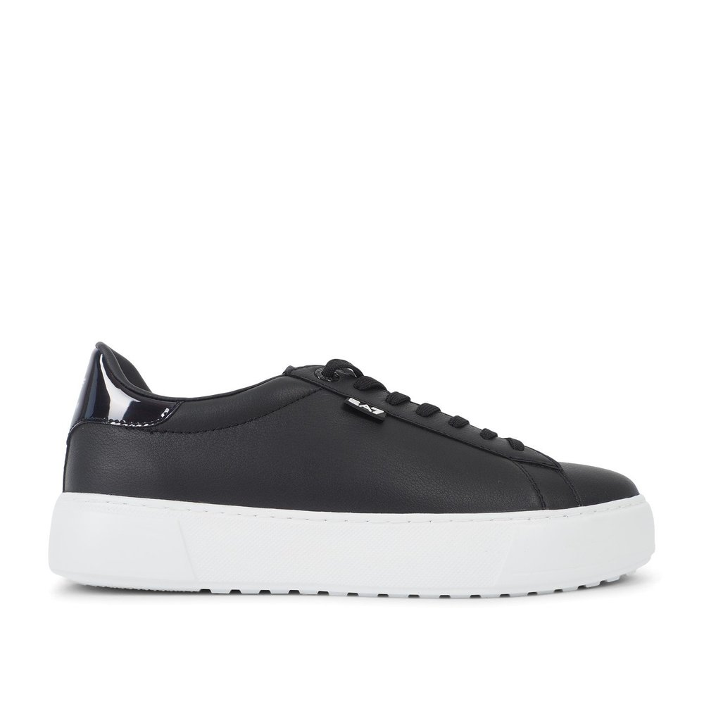 Classic Fashion Low Sneakers