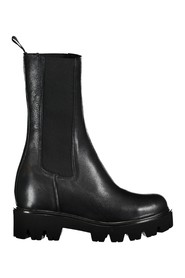 Chelsea boot with rise