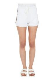 Side stribe shorts