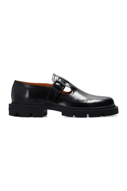 Leather shoes with strap