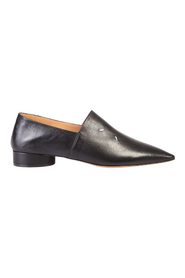 puntige loafers